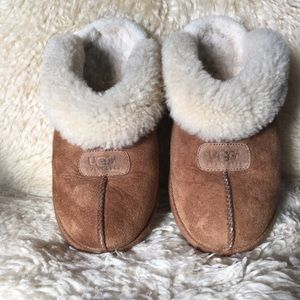 UGG slippers Coquette shearling size 9